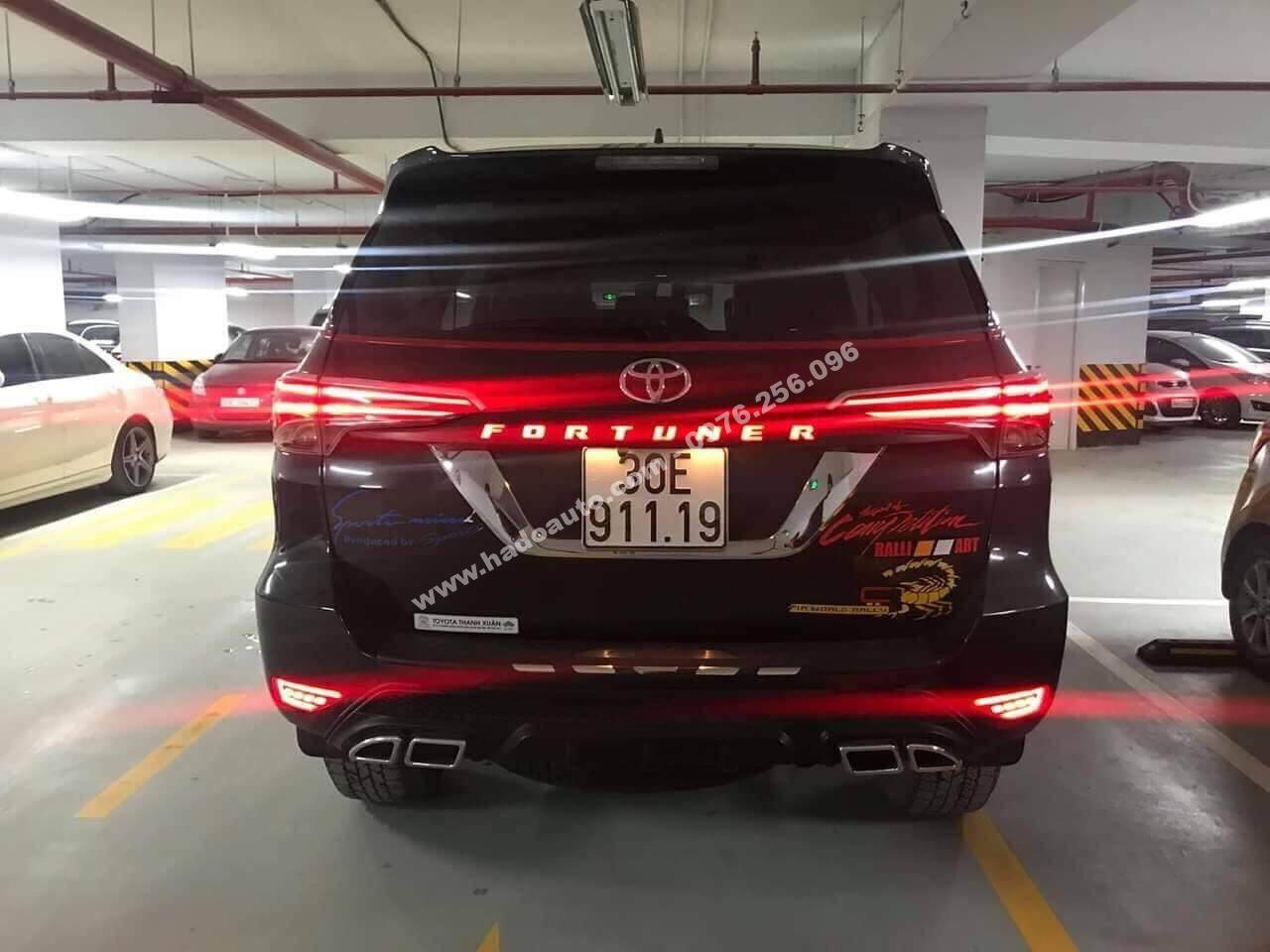 op tay mo cop co den toyota fortuner 2017 2