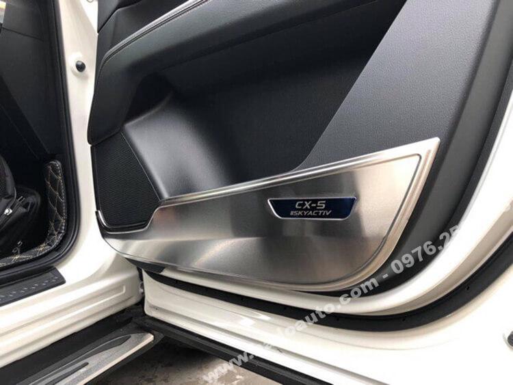 Ốp tapi cửa xe Mazda CX5 2018 - 2019