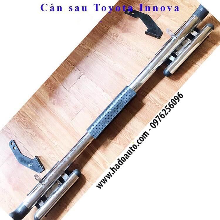 cản sau dạng ống xe Toyota Innova chất liệu inox