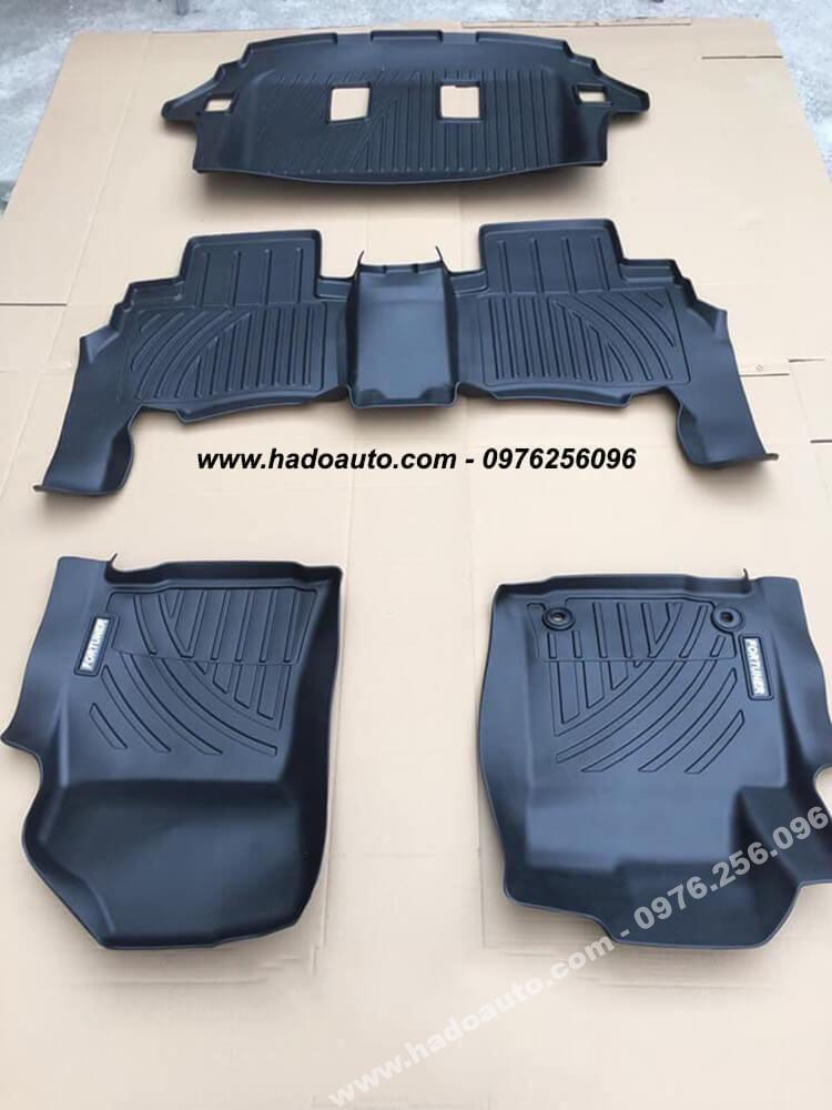lot-san-nhua-tpo-xe-toyota-fortuner-cao-cap